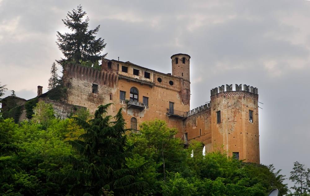 costigliole_castello
