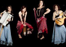 la Madamé Music Band si esibisce al Teatro civico di Busca